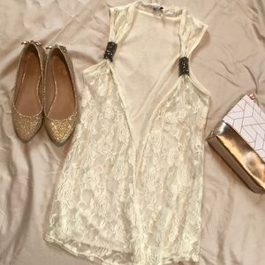 Lace sleeveless cover up
